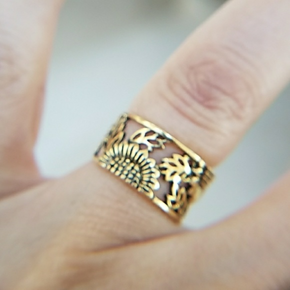 14k Yellow Gold plated Leaf Band Ring size 5 5 Boutique